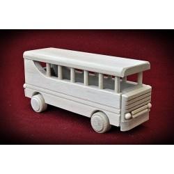 Drewniany autobus.