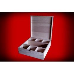 Drewniane pudełko na karafkę i sześć szklanek
