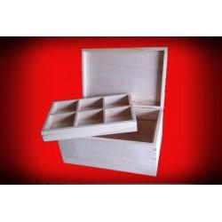 Drewniany kuferek szkatułka