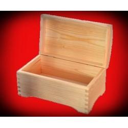 Drewniana szkatułka kuferek