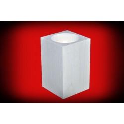 Drewniany świecznik kwadratowy 8 cm