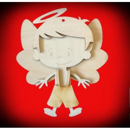 Drewniany aniołek chłopiec